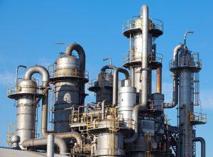 petrochemical industrial plant – © torsakarin - Fotolia.com