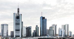 Frankfurt Skyline – © Michael Schütze - Fotolia.com