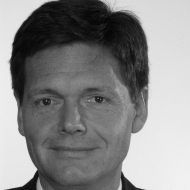 Dr. Karsten Metzlaff