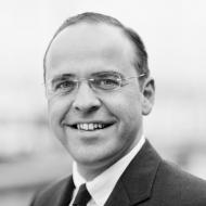 Dr. Bastian Koch